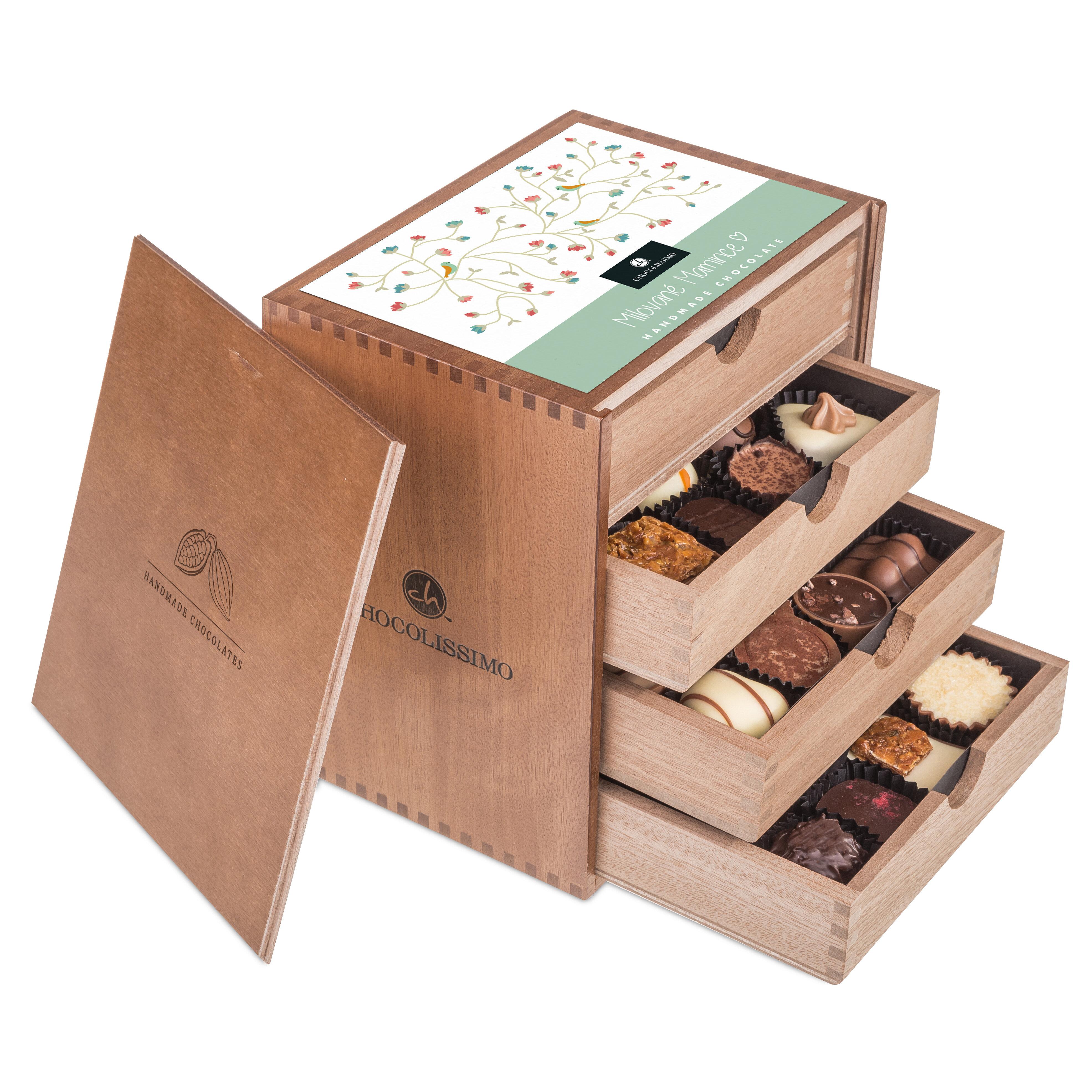 Chocolissimo - ChocoMassimo pro maminku - Pralinky v dřevěné krabičce 500 g